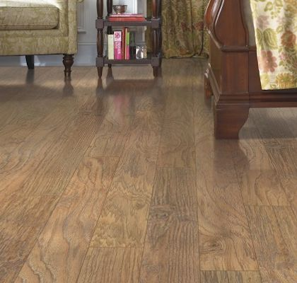laminate floors mohawk laminate flooring barrington country natural hickory. Black Bedroom Furniture Sets. Home Design Ideas